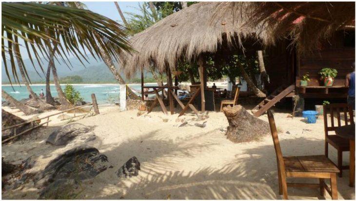Bungalows in Bureh Beach