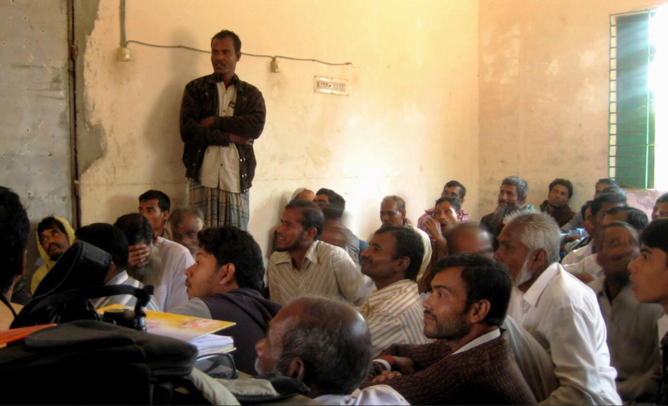 Farm workers, farmers and tenants advise on measures to counteract the salinisation of the soil