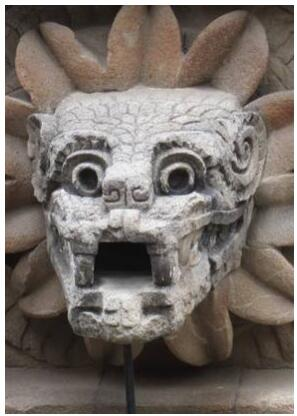 Feathered serpent, Teotihuacan pyramid
