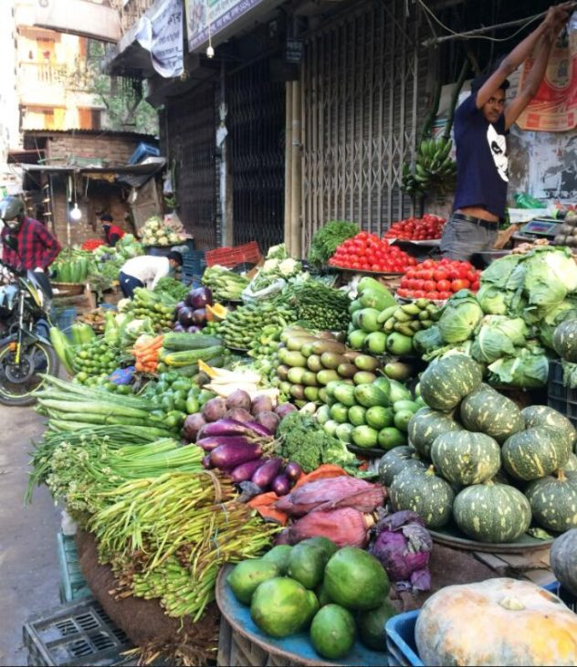 For a short time, sales of products from smallholders in the metropolitan areas also fell.