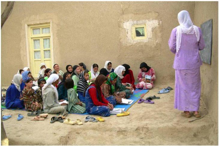 Afghanistan Girls at school