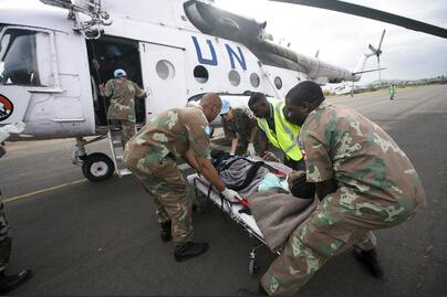 MONUC - Evacuation of an injured man to the military hospital in Goma