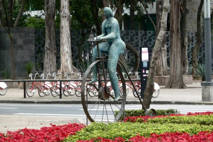 Rental bicycles and the statue