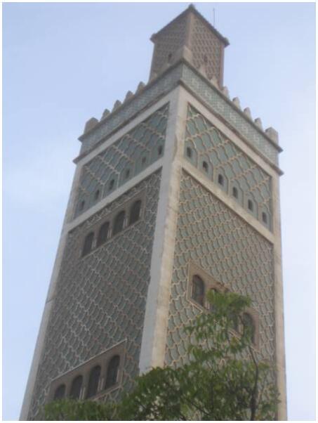 The minaret of the great mosque of Dakar