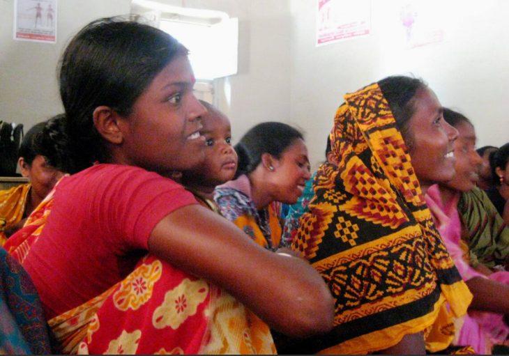 Women of the Santals minority