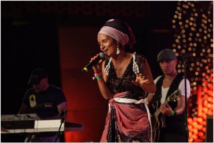 The Moroccan fusion singer Oum